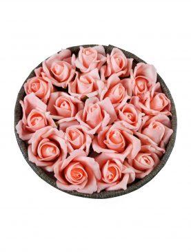 Yuvarlak Kutuda Özel Tasarım Toz Pembe Çiçekli Çikolata